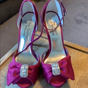NWOT The Touch of Nina heels Size 8